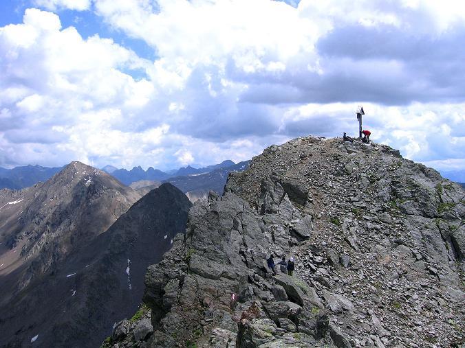 Foto: Andreas Koller / Wander Tour / Durch das Arntal auf die Weiße Spitze (2963 m) / Der Gipfel der Weißen Spitze in der Sonne / 10.07.2007 17:43:02