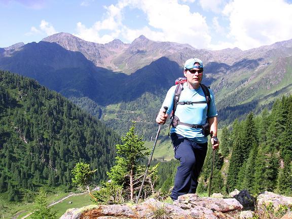 Foto: Andreas Koller / Wander Tour / Durch das Arntal auf die Weiße Spitze (2963 m) / Hoch über der Oberstalleralm / 10.07.2007 17:54:17