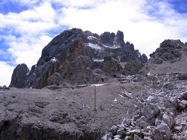 Foto: Andreas Koller / Klettersteig Tour / Rotwand-Klettersteig - Via ferrata Croda Rossa (2939 m) / Die Rotwand vom Prater mit alten Stellungsresten aus dem 1. Weltkrieg / 10.07.2007 18:46:46