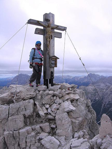 Foto: Andreas Koller / Klettersteig Tour / Rotwand-Klettersteig - Via ferrata Croda Rossa (2939 m) / Gipfelkreuz auf der Rotwand / 10.07.2007 18:45:00