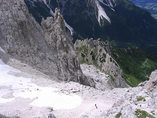 Foto: Andreas Koller / Klettersteig Tour / Rotwand-Klettersteig - Via ferrata Croda Rossa (2939 m) / Der Schuttkessel oberhalb der Leiter / 10.07.2007 18:42:43