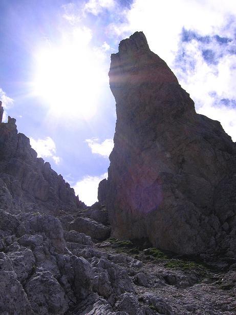 Foto: Andreas Koller / Klettersteig Tour / Rotwand-Klettersteig - Via ferrata Croda Rossa (2939 m) / Die Verlauf der Burgstall-Route erfolgt zwischen den Felstürmen / 10.07.2007 18:40:22