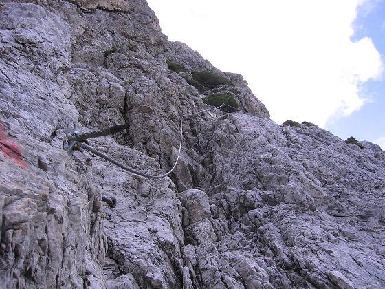 Foto: Andreas Koller / Klettersteig Tour / Rotwand-Klettersteig - Via ferrata Croda Rossa (2939 m) / Der versicherte Abstieg zum Burgstall (A) / 10.07.2007 18:39:20