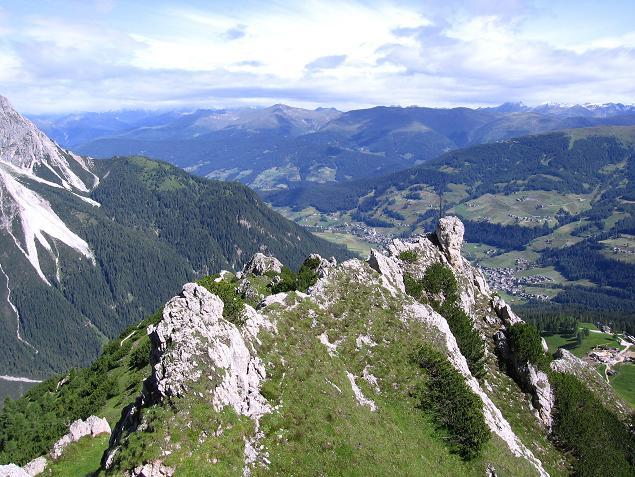 Foto: Andreas Koller / Klettersteig Tour / Rotwand-Klettersteig - Via ferrata Croda Rossa (2939 m) / Die Rotwandköpfe und Sexten im Tal / 10.07.2007 18:48:50