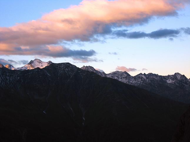 Foto: Andreas Koller / Wander Tour / Über zwei große Keese auf den Romariswandkopf (3511 m) / Sonnenaufgang über dem Hochschober (3242 m)  / 10.07.2007 22:33:40