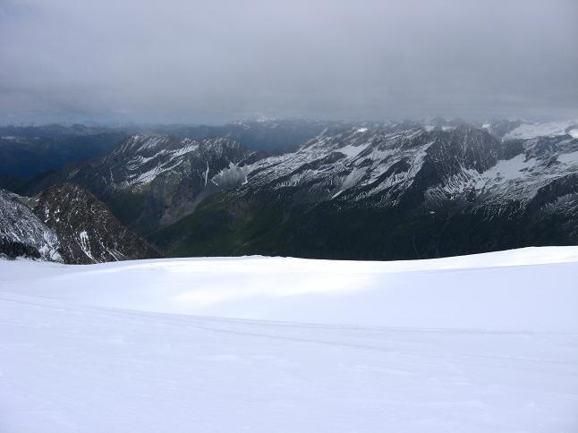 Foto: Andreas Koller / Wander Tour / Über zwei große Keese auf den Romariswandkopf (3511 m) / Blick über das Fruschnitzkees nach SW / 10.07.2007 22:24:17