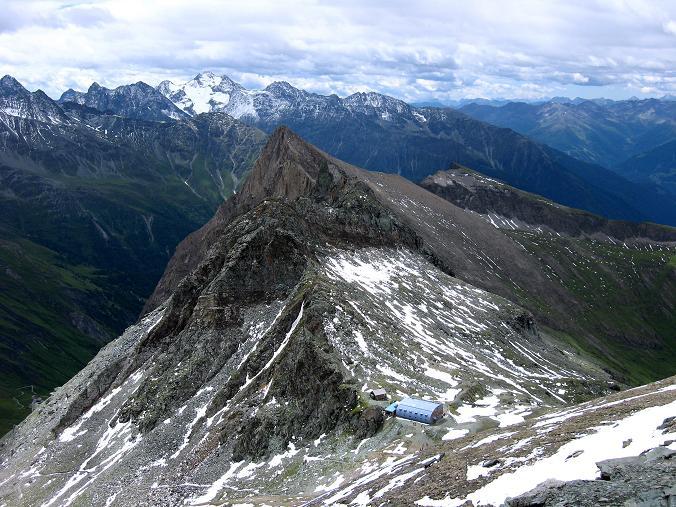 Foto: Andreas Koller / Wander Tour / Über zwei große Keese auf den Romariswandkopf (3511 m) / Blick auf die Stüdlhütte und den Fanatkogel (2905 m) / 10.07.2007 22:21:23