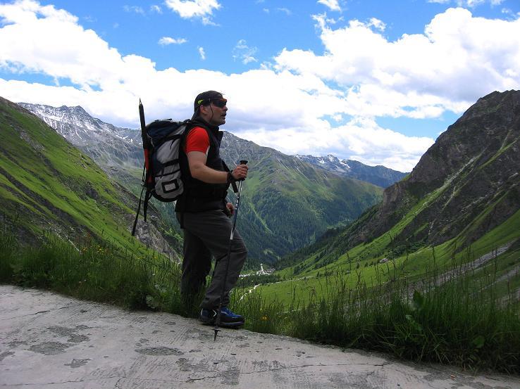 Foto: Andreas Koller / Wander Tour / Über zwei große Keese auf den Romariswandkopf (3511 m) / Abstieg von der Lucknerhütte mit Blick in die Schobergruppe / 10.07.2007 22:20:13