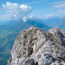 Foto: Tirol Werbung / Wander Tour / Adlerweg Etappe 32 - Ein Gipfel, drei Kreuze / Karrer Kreuz / 26.07.2007 11:46:29