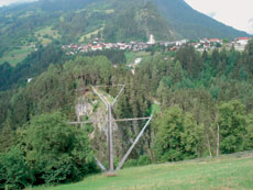 Foto: Tirol Werbung / Wander Tour / Adlerweg Etappe 41 - In der Heimat von Benni Raich / Benni-Raich-Brücke / 26.07.2007 12:41:19