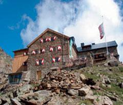 Foto: Tirol Werbung / Wander Tour / Adlerweg Etappe 54 - Adlerflug hinunter nach Obergurgl / Ramolhaus / 26.07.2007 13:52:22