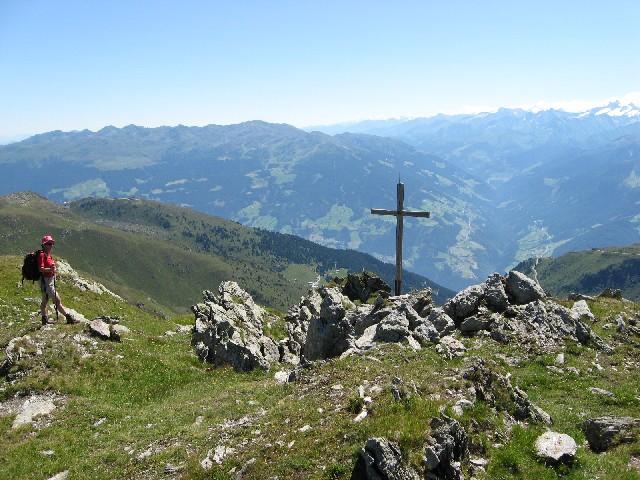 Foto: mucho / Mountainbike Tour / Rosenalm Kreuzjoch, Kreuzwiesen Zell / Kreuzjoch von gegenüber (Gipfel/Marchkopf Hochfügen) gesehen / 18.07.2007 16:26:40