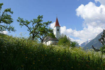 Foto: Tirol Werbung / Mountainbike Tour / Bike Trail Tirol Etappe Imst – Venetalm - Wenns / Kirche in Imsterberg / 20.07.2007 11:55:17