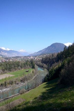 Foto: Tirol Werbung / Mountainbiketour / Bike Trail Tirol Etappe Ötz - Imst / Blick nach Roppen / 23.07.2007 08:18:57