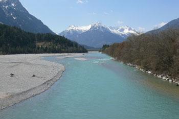 Foto: Tirol Werbung / Mountainbike Tour / Bike Trail Tirol Etappe Weissenbach - Reutte / Der Lech bei Weissenbach / 23.07.2007 11:09:18