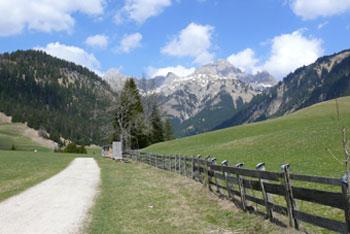 Foto: Tirol Werbung / Mountainbike Tour / Bike Trail Tirol Etappe Weissenbach - Tannheim / Gaichtpass / 23.07.2007 12:07:13