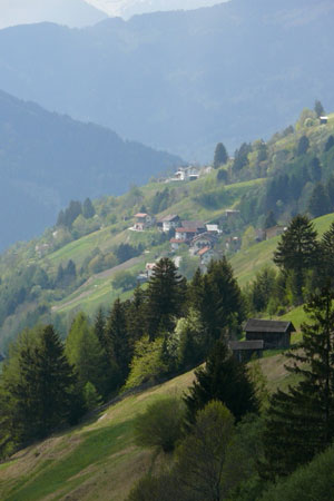 Foto: Tirol Werbung / Mountainbike Tour / Bike Trail Tirol Etappe Wenns - Landeck / Via Claudia bei Fiss / 23.07.2007 13:35:40