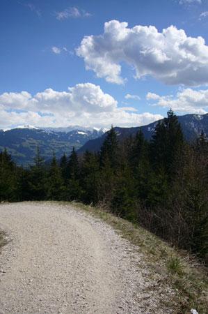 Foto: Tirol Werbung / Mountainbike Tour / Bike Trail Tirol Etappe Zell - Achensee / Blick ins Zillertal / 23.07.2007 13:41:43