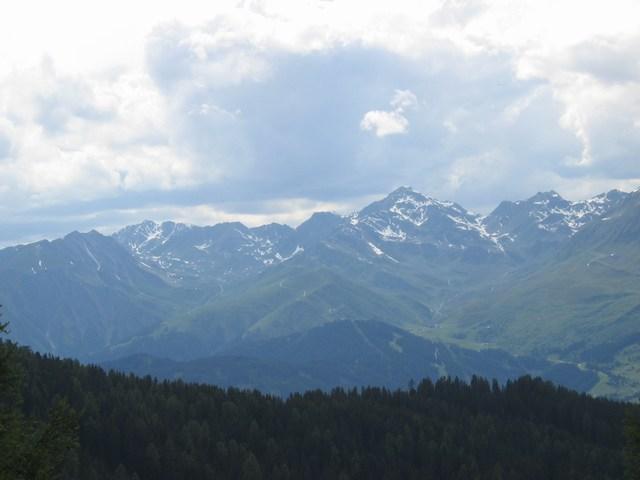 Foto: Jürgen Lindlbauer / Mountainbiketour / Von Ried auf die Fendleralm (1970m) / Blick von der Fendleralm auf Serfaus / 05.08.2007 12:51:48
