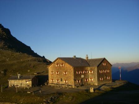 Foto: dobratsch11 / Wander Tour / Hütten Trekking in der Schobergruppe / Die Glorer Hütte / 05.08.2007 18:26:48