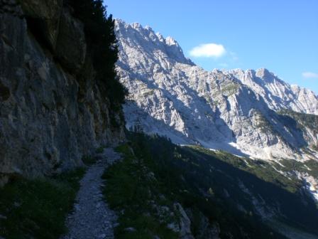 Foto: dobratsch11 / Wander Tour / Veliko Spicje / am Beginn des Kriegssteiges zur Prehodavci Hütte / 05.08.2007 20:13:29