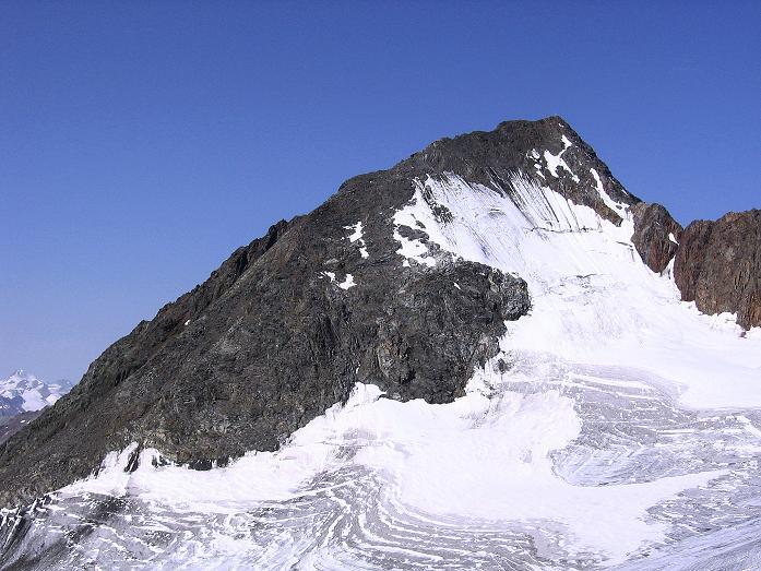 Foto: Andreas Koller / Wander Tour / Von der Franz Senn Hütte in die Wildgratscharte (3170 m) / Der Schrankogel (3496 m) grüßt im W / 08.08.2007 13:47:12