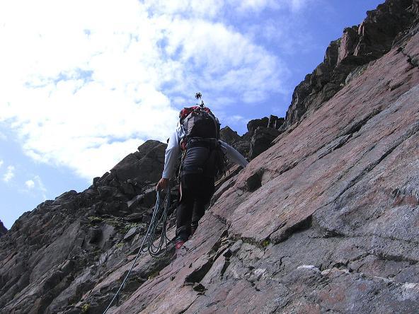 Foto: Andreas Koller / Wander Tour / Von der Franz Senn Hütte in die Wildgratscharte (3170 m) / Steiler Abstieg aus der Wildgratscharte / 08.08.2007 13:46:20