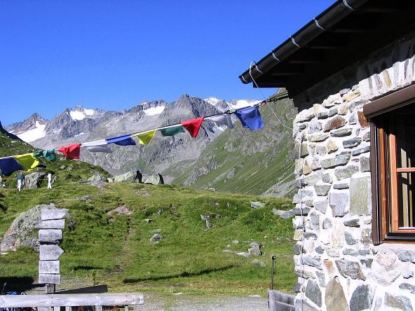 Foto: Andreas Koller / Wander Tour / Über zwei Gletscher auf den Lisenser Fernerkogel (3298 m) / Bei der Franz Senn Hütte / 08.08.2007 14:18:22