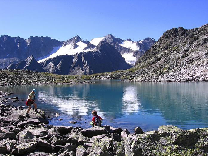 Foto: Andreas Koller / Wander Tour / Über zwei Gletscher auf den Lisenser Fernerkogel (3298 m) / Rinnensee und Seespitzen (3416 m) / 08.08.2007 14:18:08