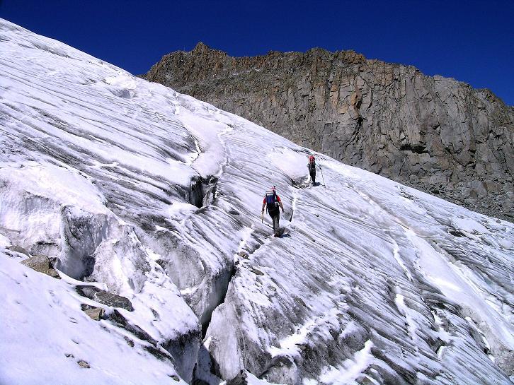 Foto: Andreas Koller / Wander Tour / Über zwei Gletscher auf den Lisenser Fernerkogel (3298 m) / Querung des Rotgrat Ferner / 08.08.2007 14:14:03