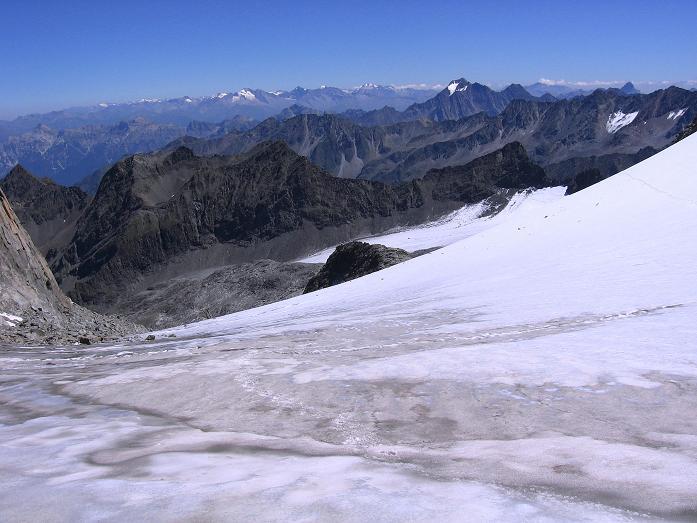 Foto: Andreas Koller / Wander Tour / Über zwei Gletscher auf den Lisenser Fernerkogel (3298 m) / Blick vom Rotgrat Ferner nach O / 08.08.2007 14:13:30