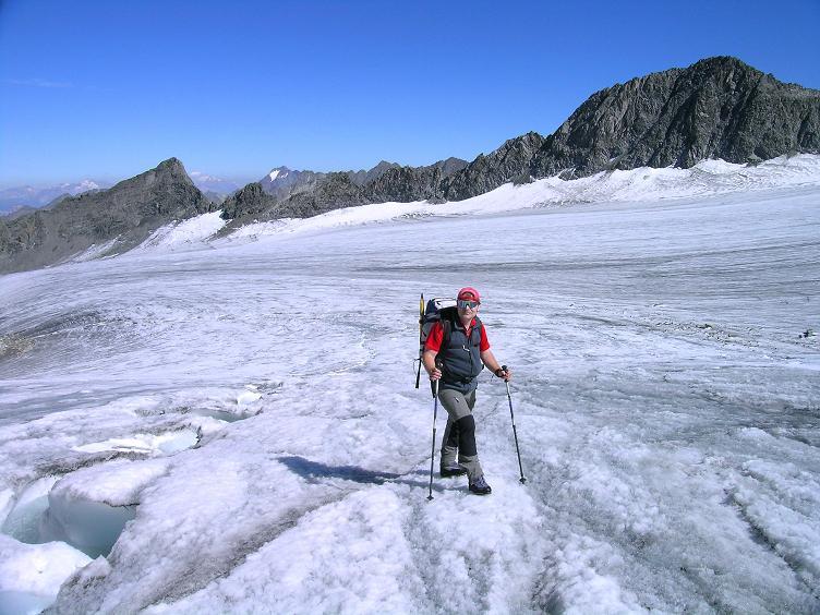 Foto: Andreas Koller / Wander Tour / Über zwei Gletscher auf den Lisenser Fernerkogel (3298 m) / Am Lisenser Ferner / 08.08.2007 14:09:50