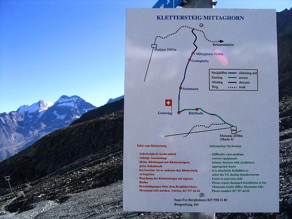 Foto: Andreas Koller / Klettersteig Tour / Klettersteig Mittaghorn (3144m) / Klettersteig Mittaghorn: Informationstafel bei der Bergstation Morenia / 09.08.2007 10:31:11