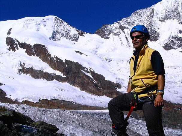 Foto: Andreas Koller / Klettersteig Tour / Klettersteig Mittaghorn (3144m) / Klettersteig vor der imposanten Kulisse der Walliser Eisriesen / 09.08.2007 10:27:12