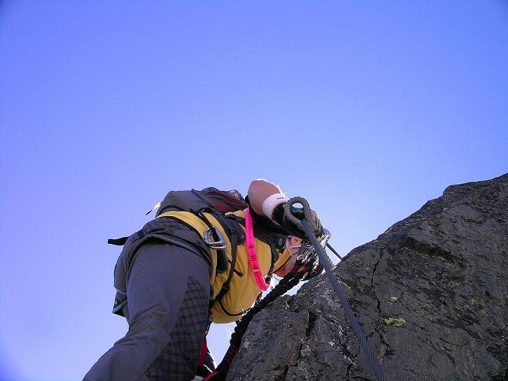 Foto: Andreas Koller / Klettersteig Tour / Klettersteig Mittaghorn (3144m) / Im steilen Fels / 09.08.2007 10:22:36