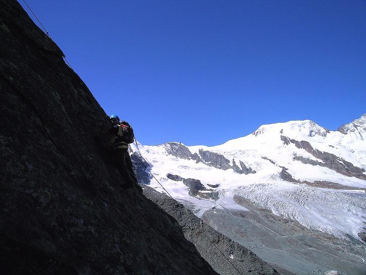 Foto: Andreas Koller / Klettersteig Tour / Klettersteig Mittaghorn (3144m) / Im Banne des Alphubel (4206 m) / 09.08.2007 10:21:57