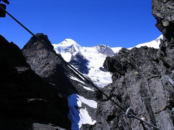 Foto: Andreas Koller / Klettersteig Tour / Klettersteig Mittaghorn (3144m) / Am Klettersteig mit Blick auf das Allalinhorn (4027 m) / 09.08.2007 10:18:16