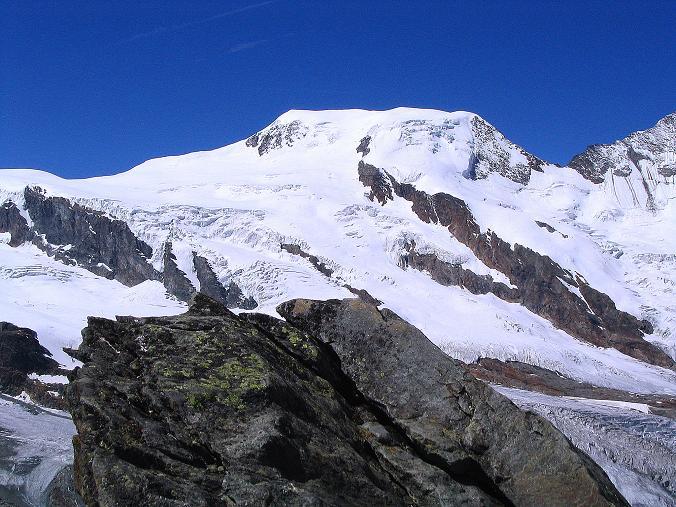Foto: Andreas Koller / Klettersteig Tour / Klettersteig Mittaghorn (3144m) / Blick vom Mittaghorn-Gipfel auf den Alphubel (4206 m) / 09.08.2007 10:16:19