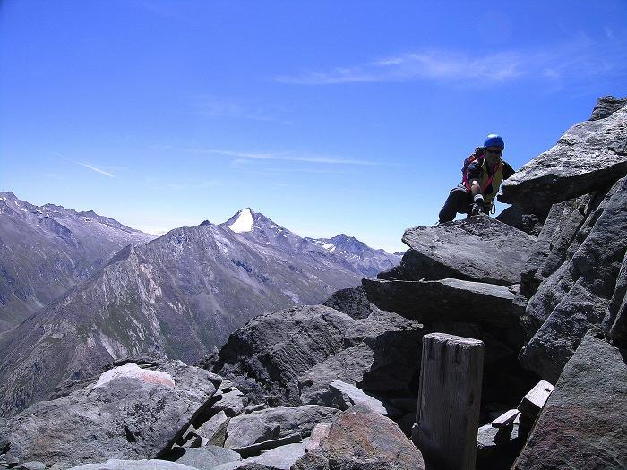 Foto: Andreas Koller / Klettersteig Tour / Klettersteig Mittaghorn (3144m) / Am Gipfel des Mittaghorn mit Blick auf das Stellihorn (3436 m) / 09.08.2007 10:13:26