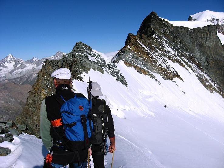 Foto: Andreas Koller / Wander Tour / Alphubel - Überschreitung (4206 m) / Einstieg in den Grat auf den Feekopf / 09.08.2007 15:48:59