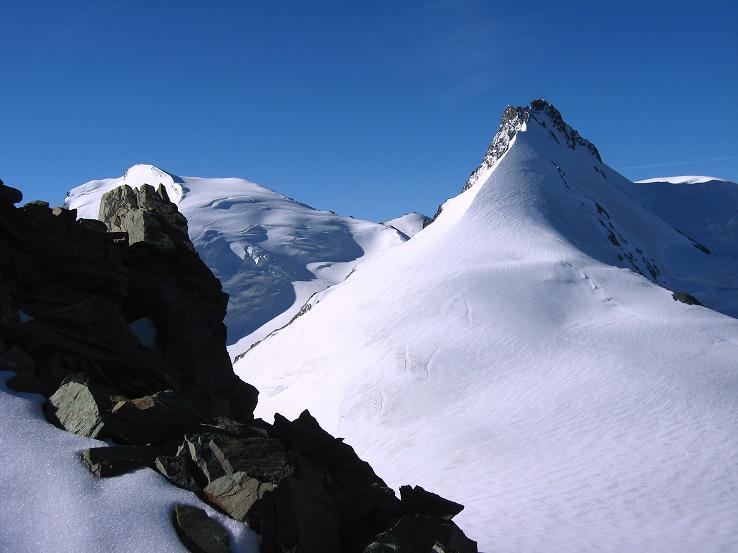 Foto: Andreas Koller / Wander Tour / Alphubel - Überschreitung (4206 m) / Strahlhorn (4190 m) und Rimpfischhorn (4199 m) / 09.08.2007 15:48:43