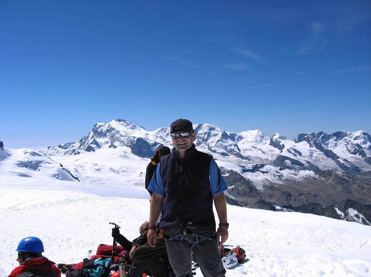 Foto: Andreas Koller / Wander Tour / Alphubel - Überschreitung (4206 m) / Am Alphubelgipfel gegen Monte Rosa / 09.08.2007 15:42:37