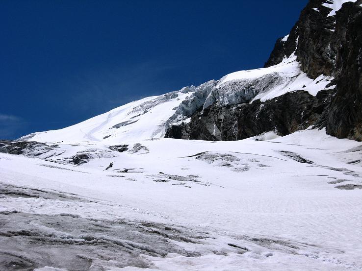 Foto: Andreas Koller / Wander Tour / Alphubel - Überschreitung (4206 m) / Die Abstiegsroute über den Feegletscher / 09.08.2007 15:36:44