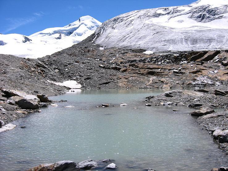 Foto: Andreas Koller / Wander Tour / Alphubel - Überschreitung (4206 m) / Gletschersee, Feegletscher und Allalinhorn (4027 m) / 09.08.2007 15:35:57