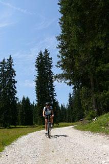 Foto: Tirol Werbung / Mountainbike Tour / Bike Trail Tirol Etappe Ehrwald - Scharnitz / 14.08.2007 08:27:59