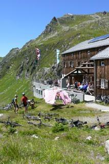 Foto: Tirol Werbung / Mountainbike Tour / Bike Trail Tirol Etappe Ischgl – St. Anton / 14.08.2007 08:36:10