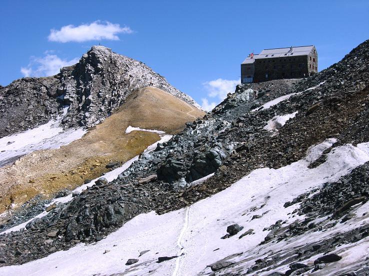 Foto: Andreas Koller / Wander Tour / Im Banne der Walliser Eisriesen auf das Fluchthorn (3791 m) / Britanniahütte und Kleinallalin / 10.08.2007 21:22:47