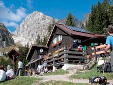 Foto: Tirol Werbung / Wander Tour / Adlerweg Etappe 60 - Zum Reuttener Hahnenkamm / Tannheimer Hütte / 13.08.2007 15:09:04