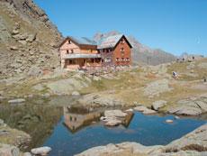 Foto: Tirol Werbung / Wander Tour / Adlerweg Etappe 68 - Durch Kessel und über Jöcher / Bremer Hütte / 13.08.2007 15:26:02
