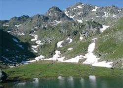 Foto: Tirol Werbung / Wander Tour / Adlerweg Etappe 78 - Von weit oben steil hinunter / 13.08.2007 16:05:04